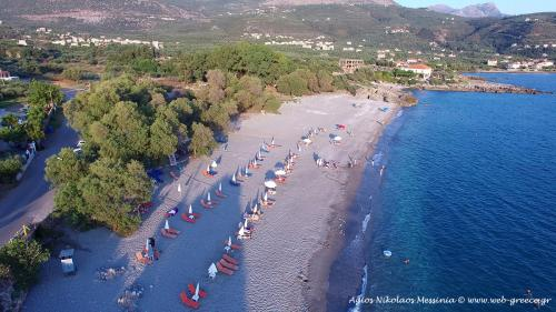 agios nikolaos beach mani messinia