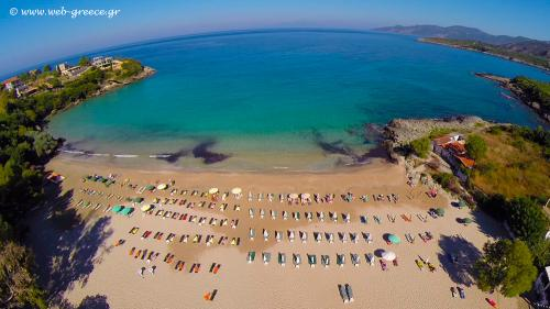 kalogria beach stoupa messinia